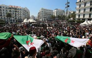 Алжир: сидение у Касбы